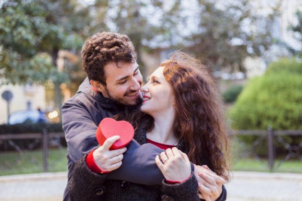 5 Ways Friends Make Our Lives Happier